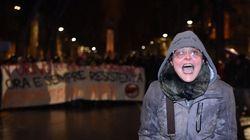 La maestra che insultò i poliziotti a Torino è stata