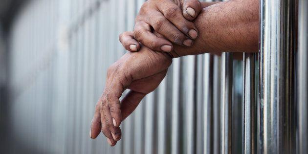 Violazione dei diritti negli hotspot, aumento dei carcerati e dei bambini: la denuncia del Garante dei