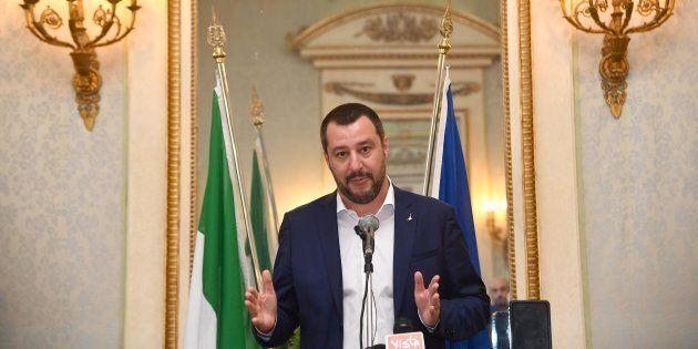 Matteo Salvini incontra il cardinale Burke: