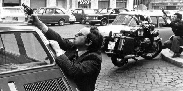 29/03/1979 Roma, intervento della polizia in seguito all' attacco delle Brigate Rosse alla sede della...