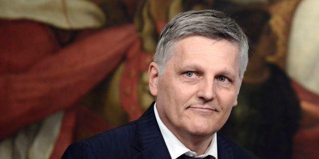 Luigi Gaetti al terzo incarico: evitare il vincolo dei due mandati per i 5 stelle è