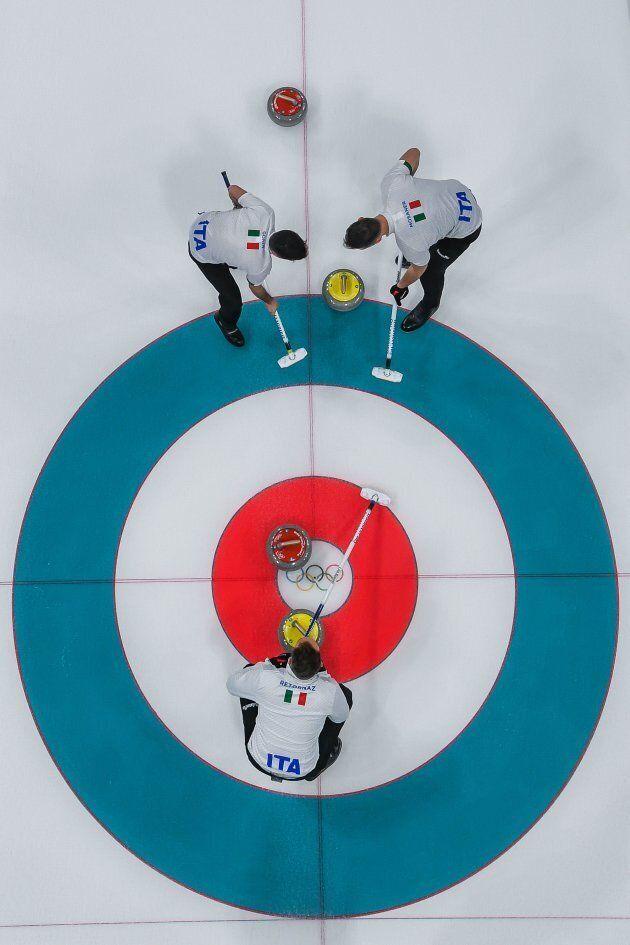 L'Italia del curling batte gli Usa 10 a 9 alle Olimpiadi di