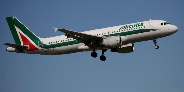 Alitalia, si lavora a una cordata con Air France, easyJet, Delta e Cerberus per comprare la compagnia...