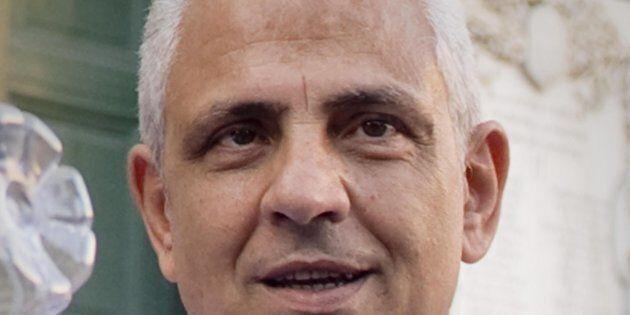 Traffico di rifiuti e voto di scambio, inchiesta sulla politica a Napoli: perquisizione per il consigliere...