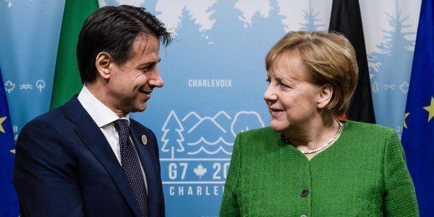 Giuseppe Conte chiede ad Angela Merkel i soldi per il reddito di