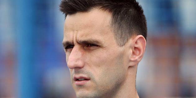 Nikola Kalinic finge di aver mal di schiena per non giocare gli ultimi 5 minuti di Croazia Nigeria. Il...
