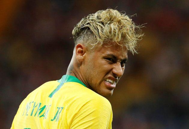Cantona e il web prendono in giro il nuovo look di Neymar. E i capelli di O'Rey diventano