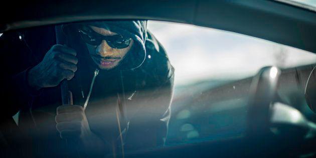 Immigrato ghanese sventa un furto e fa arrestare il ladro, cittadino