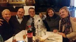 Cinque fratelli adottati da famiglie diverse si incontrano dopo 45 anni (e per Natale l'obiettivo è trovare gli altri