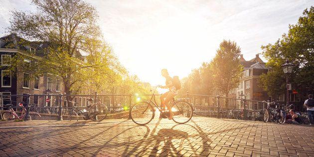 L'Olanda pagherà chi prenderà la bici per andare al lavoro (al posto