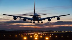Passeggero che non riesce a smettere di emettere gas costringe aereo ad atterraggio di