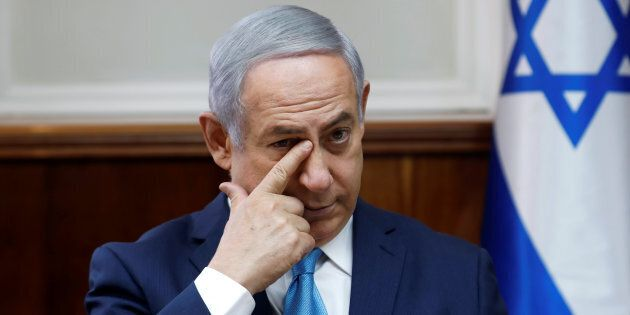 Bibi Netanyahu nella morsa giudiziaria, arrestati due