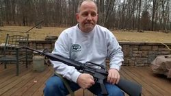 Dopo l'ennesima strage, in America si distruggono i fucili.