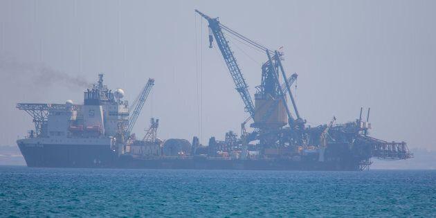La Turchia tira dritto: prolungato il blocco della nave Eni fino al 10 marzo. L'imbarcazione non può...