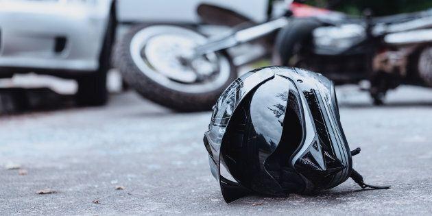 Muore in un incidente in moto a Trastevere nello stesso posto in cui investì una