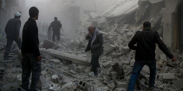 Erdogan bombarda le truppe di Assad che entrano a Afrin. Strage di civili a Goutha: 300 vittime, tantissimi