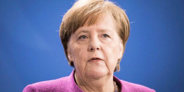 Ad un passo dal burrone, Angela Merkel mai così sola in Germania ed Europa. Cancelliera rinnegata dai...