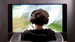 Non va in bagno per non staccarsi dal videogame, bambino di 10 anni operato