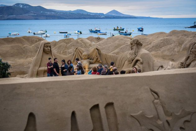 Frequentata tutto l'anno, si presenta ogni giorno diversa. Nella foto, il Natale a Playa de Las