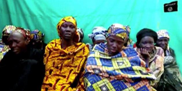 I terroristi di Boko Haram rapiscono 111 studentesse in Nigeria. Ritorna l'incubo dei sequestri femminili...