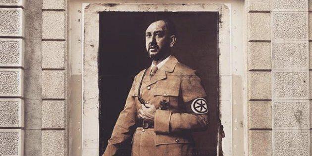 Salvini come Hitler: polemica per l'opera di street art in centro a Milano. La replica: