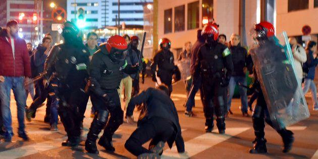 Scontri a Bilbao fra ultras russi e baschi, muore un