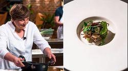 La chef Klugmann cucina un suo piatto vegetariano. Anche Barbieri si inchina: