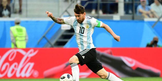 Una perla di Messi, ma è decisiva una legnata di Rojo. L'Argentina si salva, agli ottavi contro la