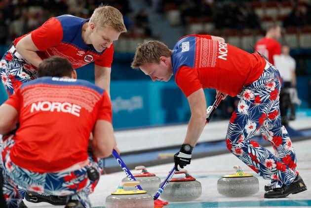 La squadra norvegese di curling meriterebbe di vincere l'oro per lo stile dei loro