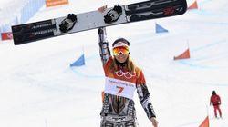 Ester Ledecka è la prima donna a vincere due medaglie d'oro in due discipline diverse nella stessa