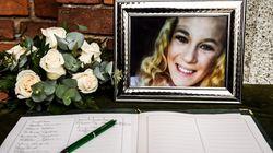 I funerali di Jessica Faoro: la madre sviene e urla contro il fidanzato.