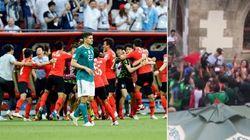 Incontrano un coreano e lo portano in trionfo: i tifosi messicani celebrano i loro