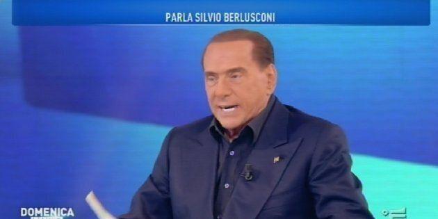 Silvio Berlusconi sfora e parla di sondaggi, ma rassicura la D'Urso: