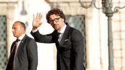 """""""Adesso aspettiamo gli altri Paesi Ue alla prova dei fatti"""". Il ministro dei Trasporti Toninelli, in un'intervista all'Huffpo..."""