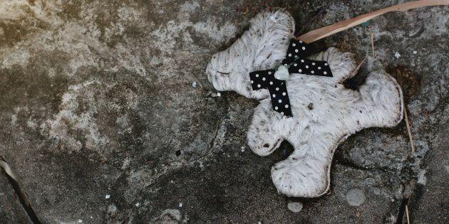 Bambino di 7 anni cade dal terzo piano di un palazzo in provincia di Salerno. Ignote le