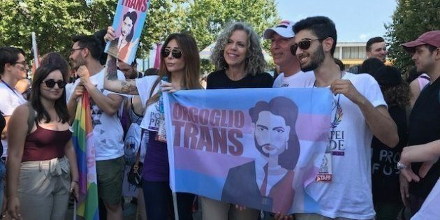 Scontro anche sui gay. Spadafora al Pride di Pompei: nessuno toccherà i diritti. Fontana: noi riconosciamo...