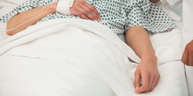 Donna di Treviso si sveglia dal coma grazie alle carezze del suo