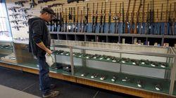 Svolta di Dick's sulle armi d'assalto negli Stati Uniti: vietata la vendita ai minori di 21