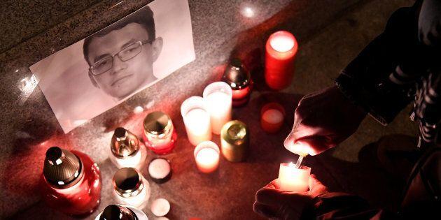 L'omicidio del giornalista Jan Kuciak scuote il governo slovacco: lasciano il ministro della Cultura...