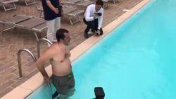 Salvini si tuffa in piscina nell'azienda confiscata alla