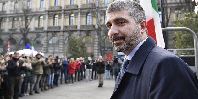 Il candidato premier di Casapound Simone Di Stefano durante un comizio elettorale nei pressi del Castello...
