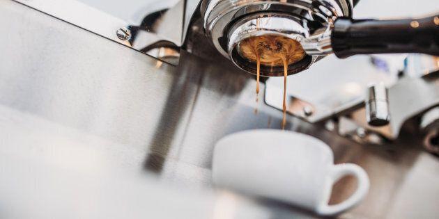 Bere caffè allunga la vita, anche quando se ne consuma