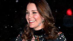 Kate Middleton sfida il gelo e la neve di Londra al 7° mese di gravidanza (in tacchi a