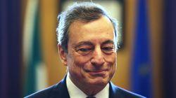 La moglie di Draghi al seggio: