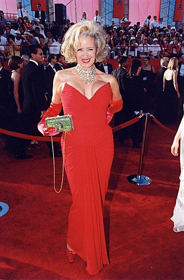 Sally Kirkland at the 1998 Academy Awards in Los Angeles. (Photo by Jeff Kravitz/FilmMagic,