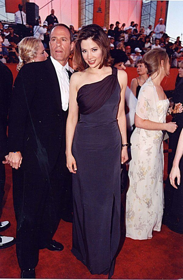 Mira Sorvino at the 1998 Academy Awards in Los Angeles. (Photo by Jeff Kravitz/FilmMagic,