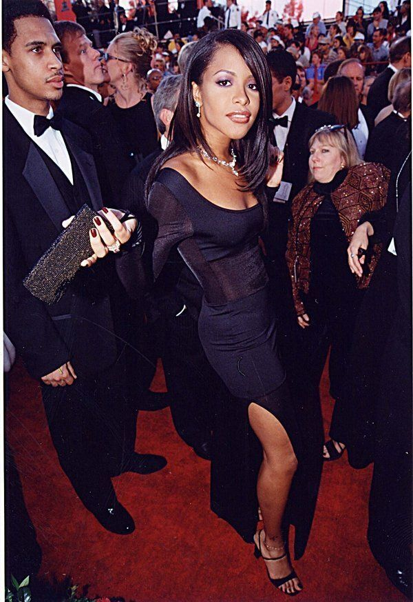 Aaliyah at the 1998 Academy Awards in Los Angeles. (Photo by Jeff Kravitz/FilmMagic,
