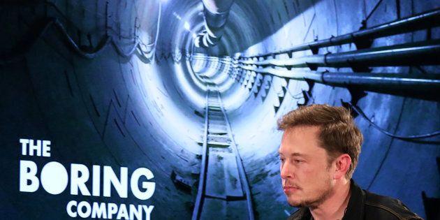 Un tubo speciale di nylon per salvare i ragazzi intrappolati. Elon Musk manda i suoi ingegneri in