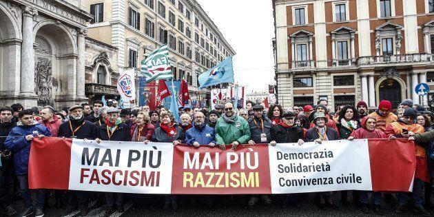 Un momento della manifestazione indetta dall'ANPI ''Mai piu' fascismo'', Roma, 24 febbraio 2018. ANSA/GIUSEPPE