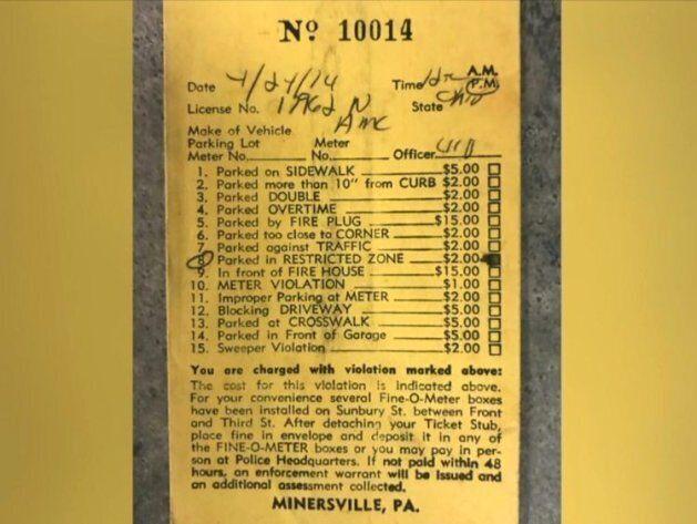 Paga il parcheggio 44 anni dopo essere stato multato: